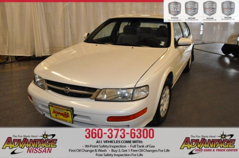 Pre-Owned 1998 Nissan Maxima SE